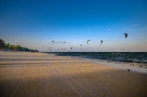 Strand kiten